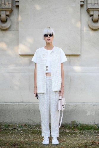 subtle-matching-pattern-vest-pants-gives-look