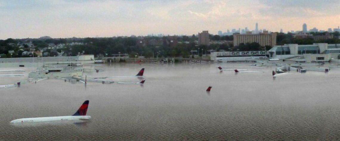 Hurricane Harvey - Houston TX Airport - Franck Lodbrock