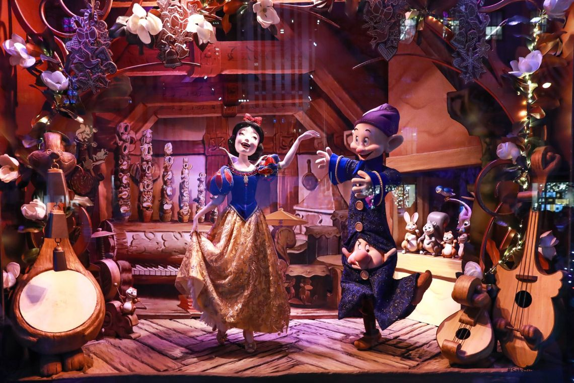 SAKS FIFTH AVENUE AND DISNEY UNVEIL