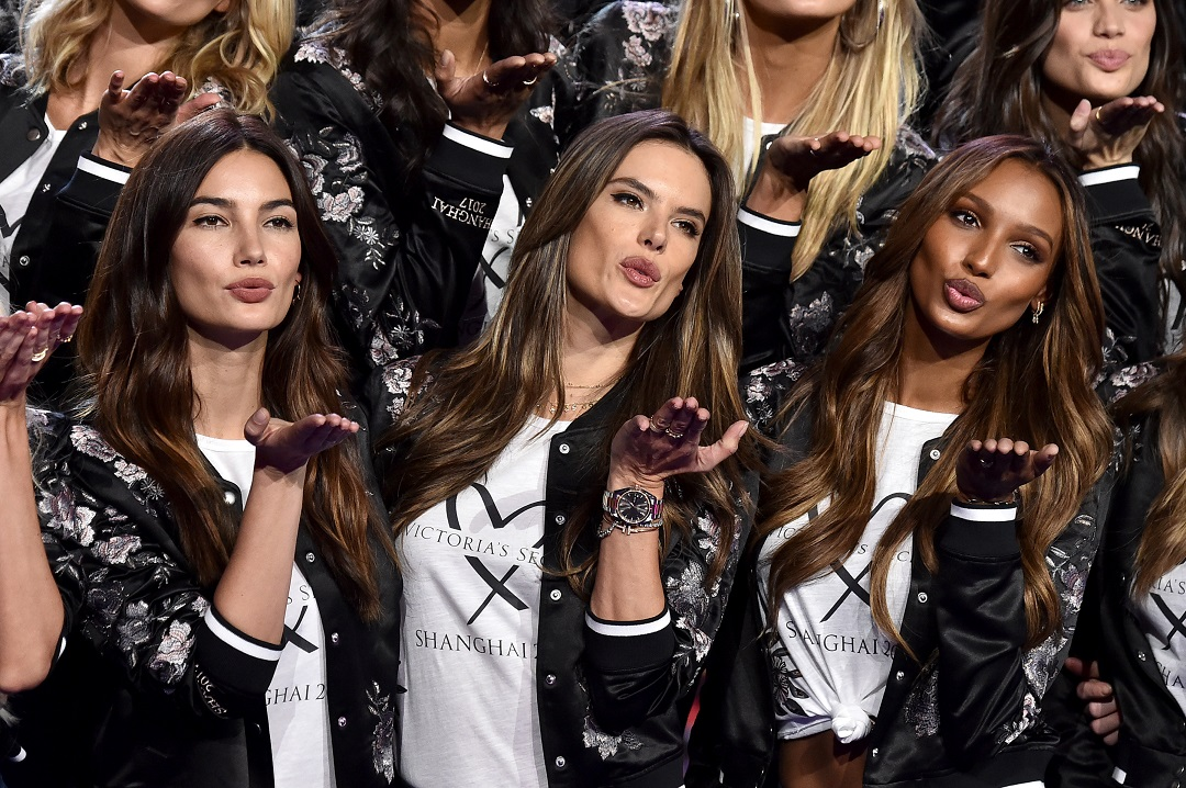 Victoria's Secret Fashion Show 2017 - All Model Appearance At Mercedes-Benz Arena