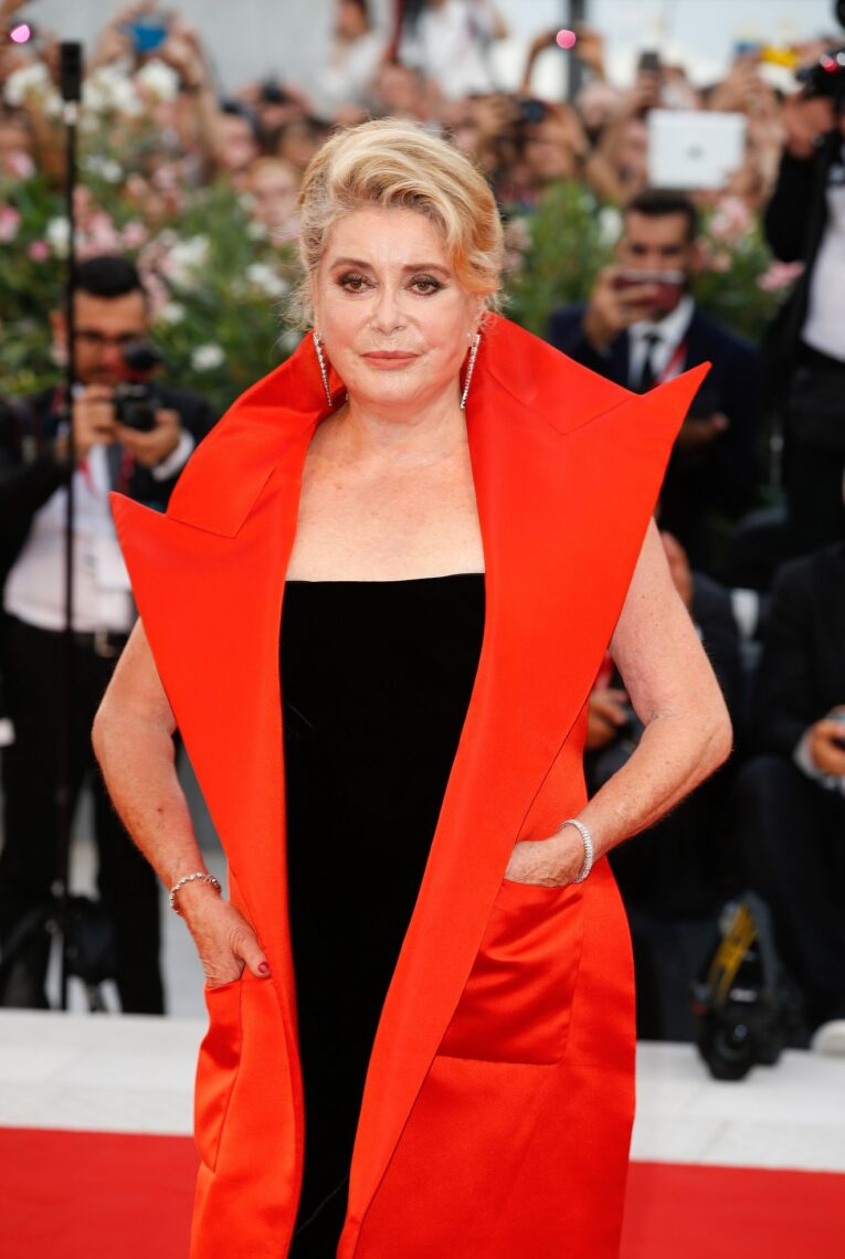 "Catherine Deneuve walks the red carpet ahead of the Opening Ceremony and the ""La Vérité"" screening during the 76th Venice Film Festival at Sala Grande on August 28, 2019 in Venice, Italy. (Photo by Sebastiano Pessina for Jaeger-LeCoultre)"