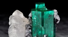 """Magnificent Emeralds: Fura's Tears"" exhibition comes to New York, featuring the world's largest gathering of important emerald specimens"