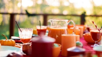 7 Tips for Hosting an Outdoor Autumn Party
