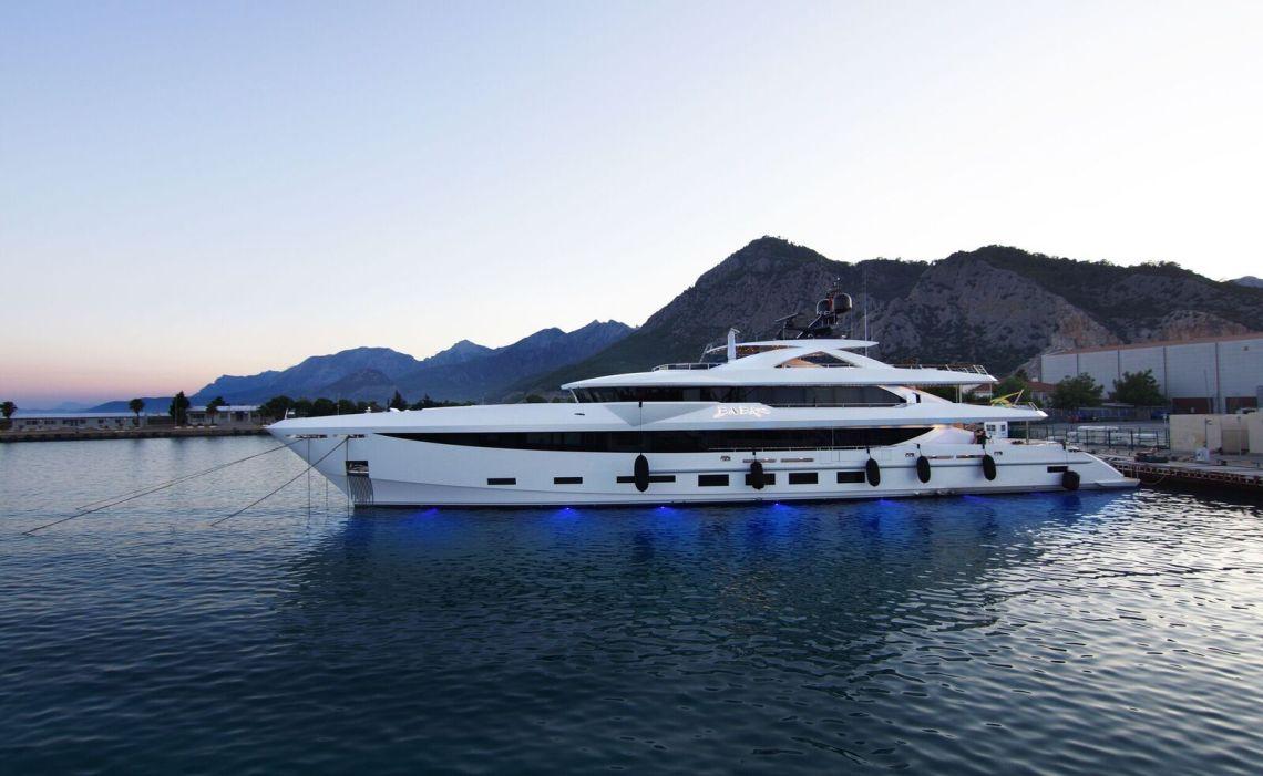 Hargrave Custom Yachts Baba's