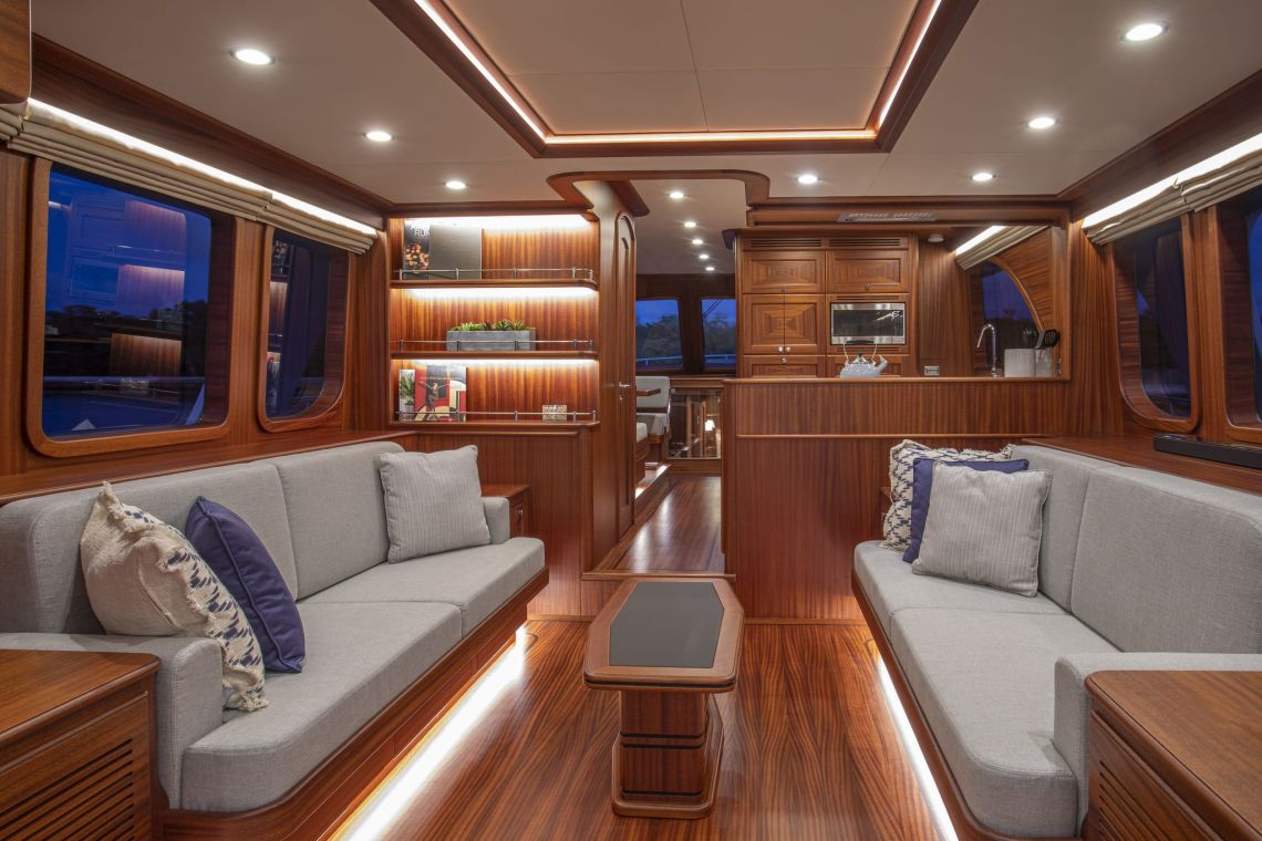 VICEM 67 CRUISER SETS NEW STANDARD FOR LUXURY ALL-MAHOGANY MOTORYACHTS - Interiors