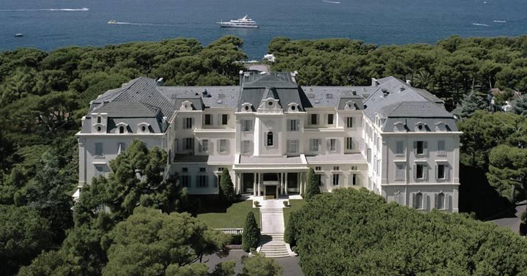 Hôtel du Cap-Eden-Roc in Cap d'Antibes, France | DESIGNED BY PATRICIA ANASTASSIADIS