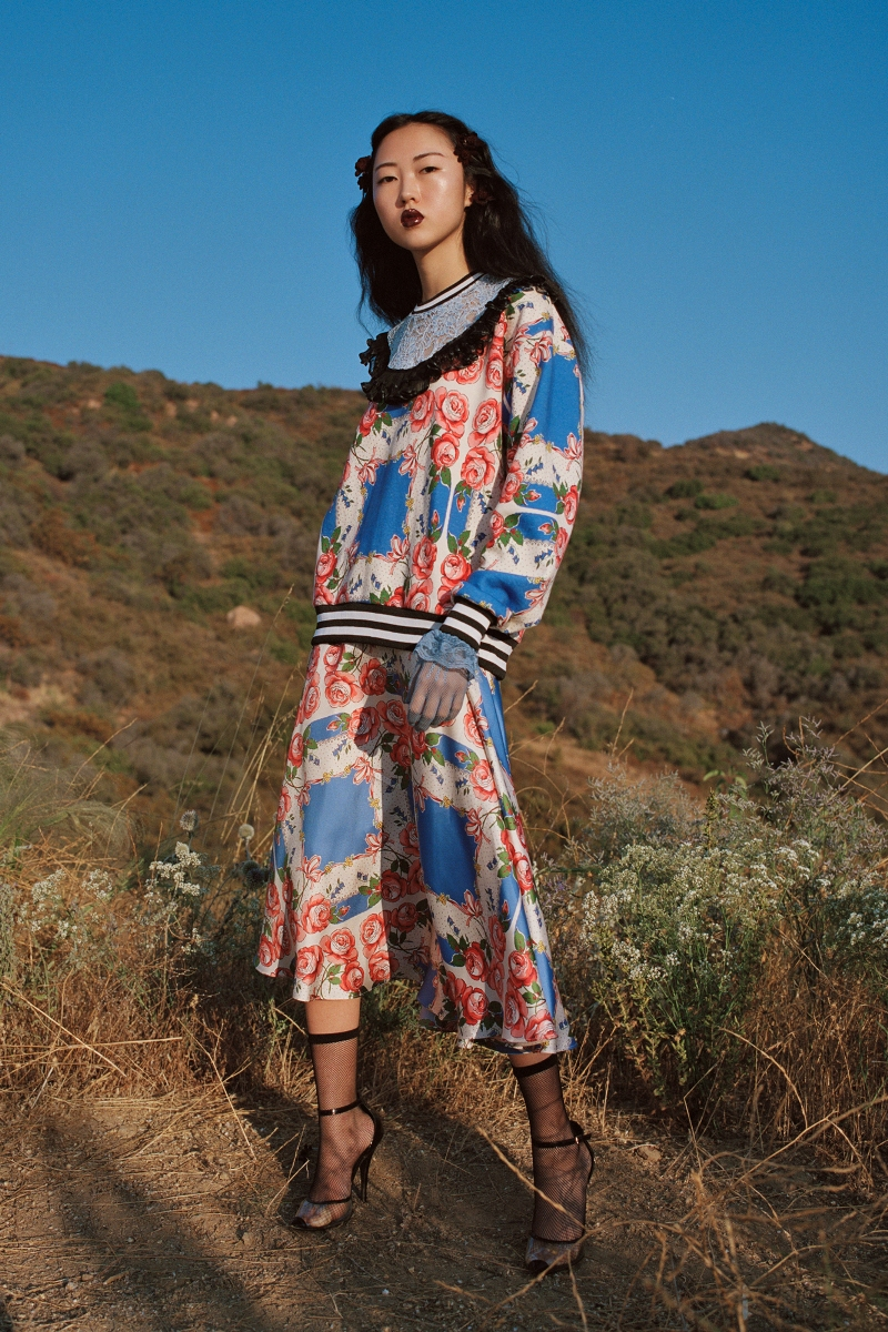 BLUE AND PINK FLORAL PRINTED SWEATSHIRT WITH LACE AND RUFFLE DETAILS - LOOK 4
