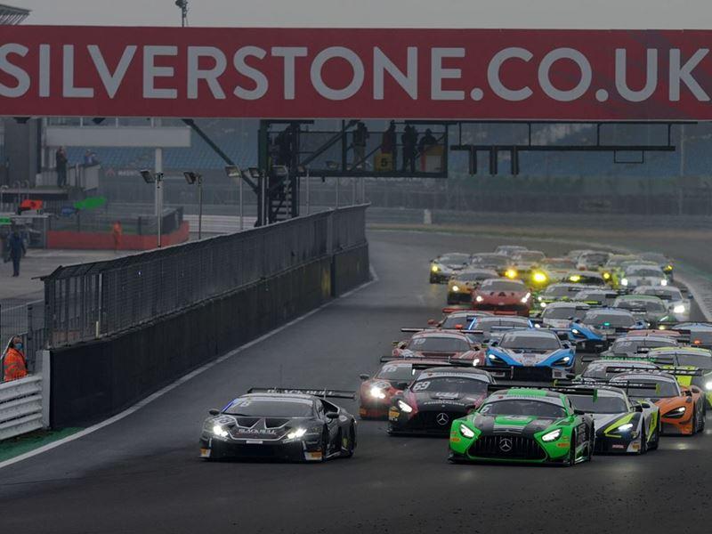 British GT - Silverstone 500- Start