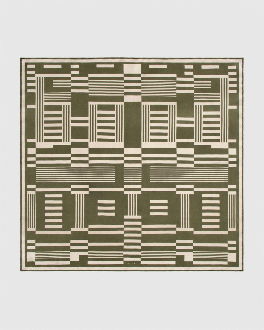 4174-01A UNK_MEO SRG GREEN SCARF LAYDOWN_GREY