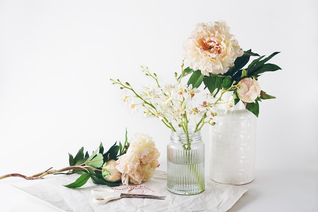 4 Clever Tips To Save On Your Stylish Wedding