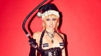 Miley Cyrus Sexy Lifestyle Photos