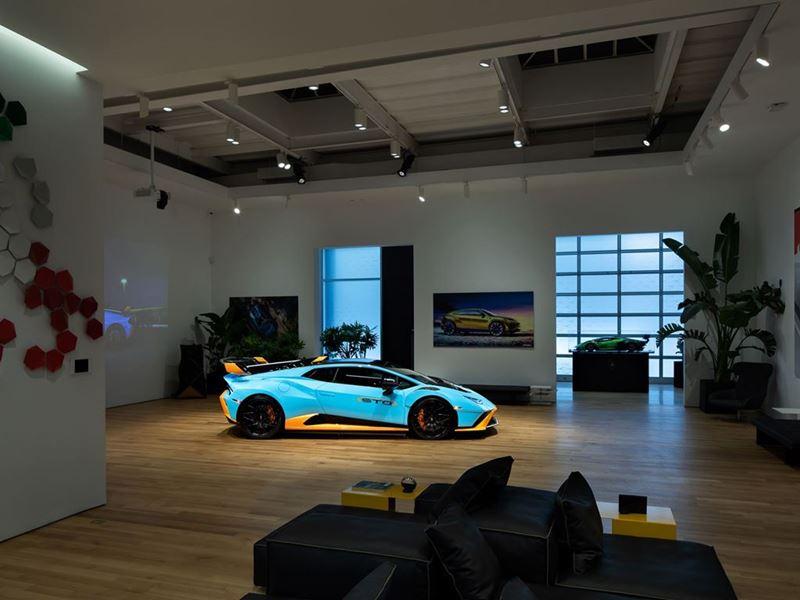 Lamborghini Lounge NYC - Huracán STO 1