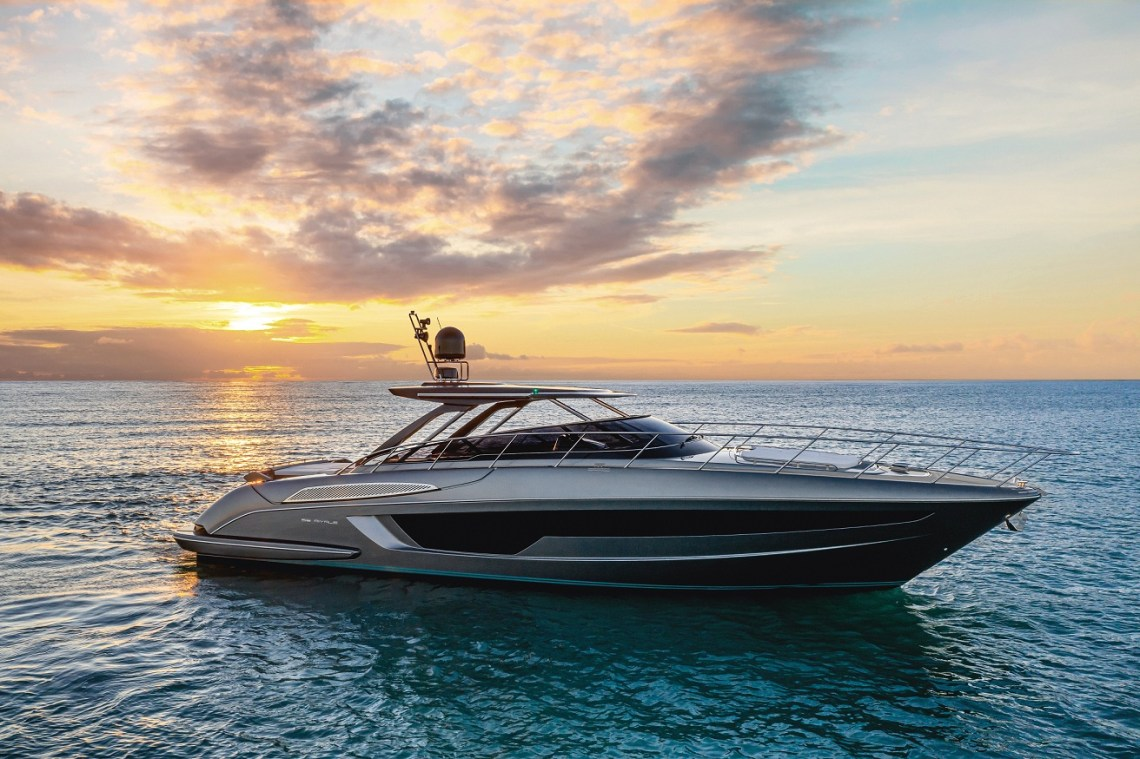 56 RIVALE HARD TOP THE PERFECT OPEN AND A PARADIGM OF COMFORT