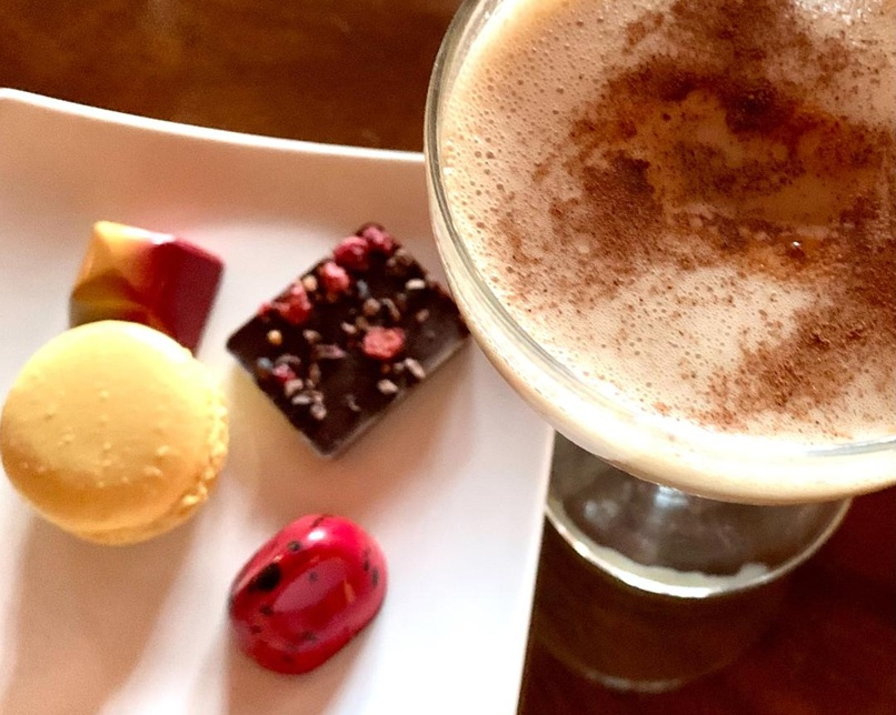 Adult-rated Chai Rum latté paired with mignardise