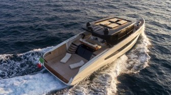 BROUGHT TO LIFE BY EVO YACHT'S FLAIR FOR INNOVATION, EVO V8 IS A 24-METRE YACHT THAT DEFINES A NEW MARKET SEGMENT