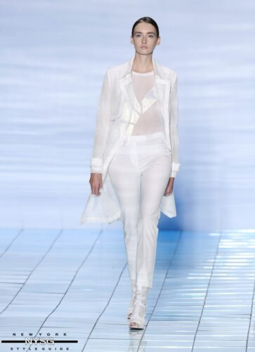 LIE SANGBONG Spring-Summer 2015 Collection Show 57