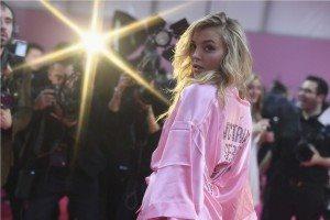 Victoria's Secret HAIR & MAKEUP 25