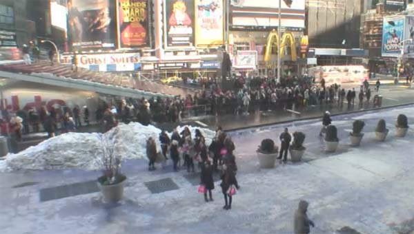 The line for discount tickets at TKTS in Times Square at 3 pm, February 9, 2013.