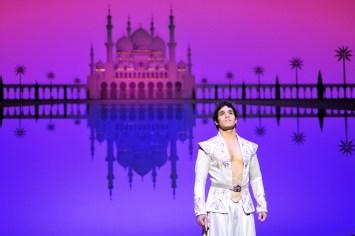 Aladdin3Adam_Jacobs_Photo_by_Deen_Van_Meer (1)