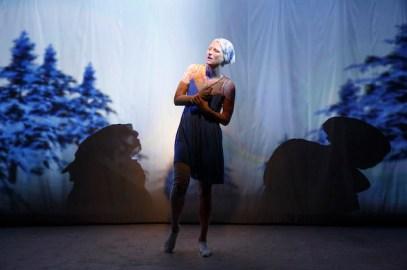Mamie Gummer in a virtual world