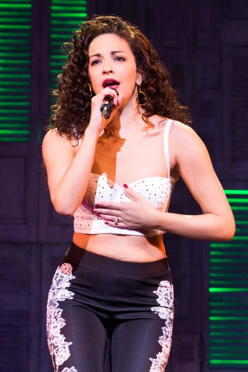 12-0705_Ana Villafañe as Gloria Estefan in ON YOUR FEET! (c) Matthew Murphy