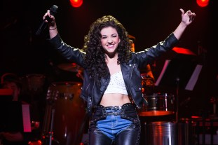 3-0923_Ana Villafañe as Gloria Estefan in ON YOUR FEET! (c) Matthew Murphy