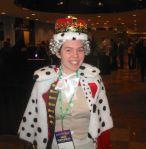 Fan dressed up as King George III from Hamilton in BroadwayCon