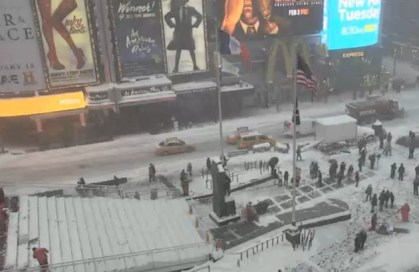 snow in Times Square January 23, 2016