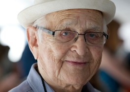 "Norman Lear, 95, has not performed on Broadway, but he WAS a producer of a Broadway show -- a revival of (appropriately in retrospect) ""Arsenic and Old Lace"""