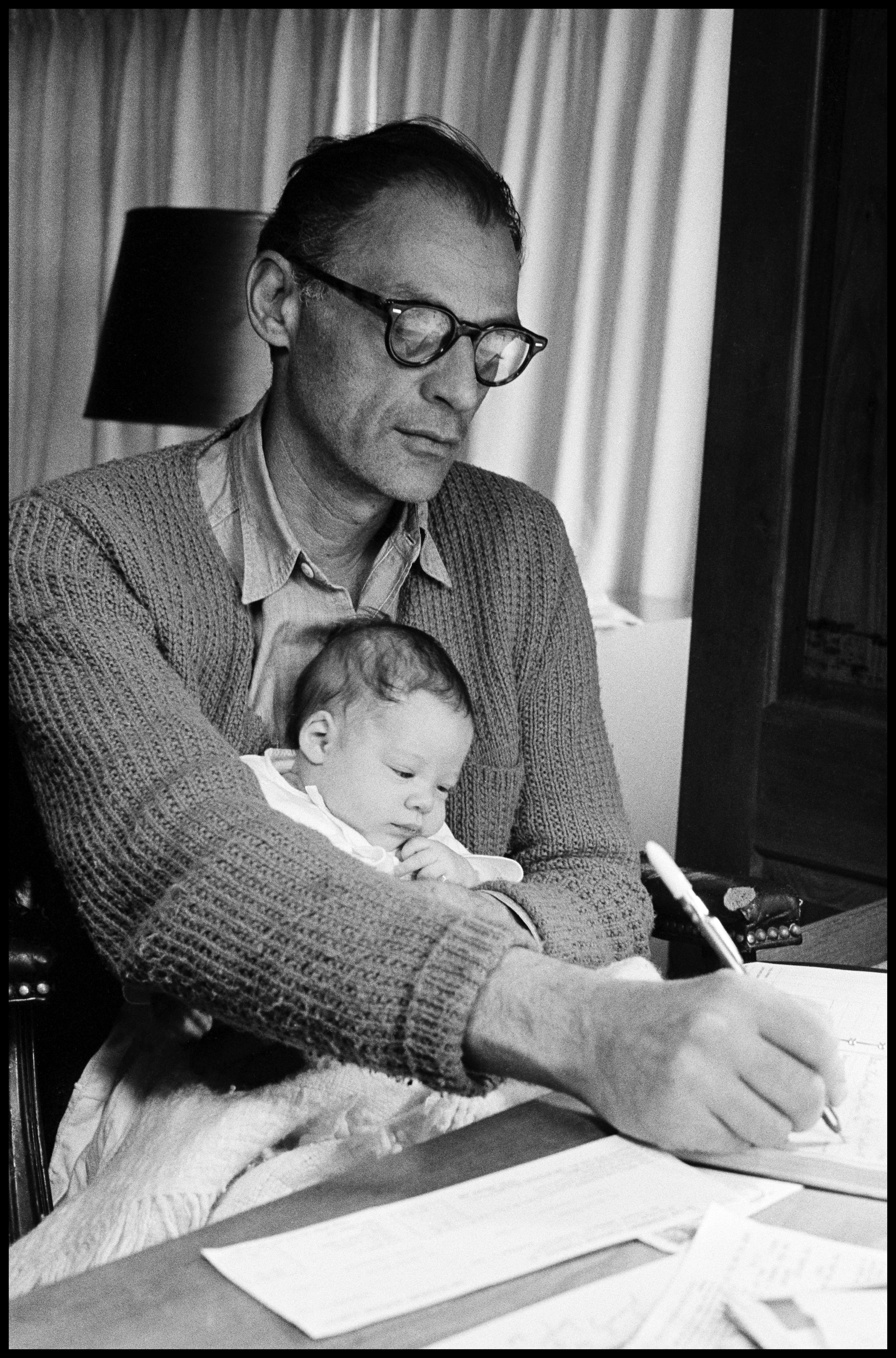 "arthur miller Arthur miller biography ""i reflect what my heart tells me from the society around  me we are living in a time when there is great uncertainty in this country."