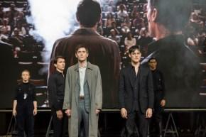 lément Hervieu-Léger (Günther Von Essenbeck), Loïc Corbery (Herbert Thallman), Christophe Montenez (Martin Von Essenbeck)