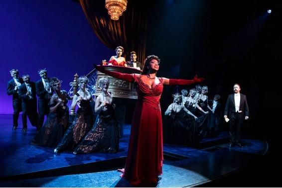 Pretty Woman. The opera scene, with Samantha Barks, Andy Karl, Allison Blackwell, Brian Cali, Company,