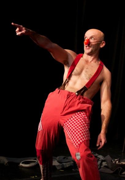 Bremner Duthie in '33 Kabaret