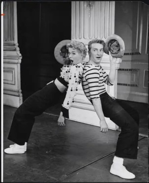 "Gwen Verdon as Lola and Eddie Phillips as Sohovik in ""Damn Yankees"""