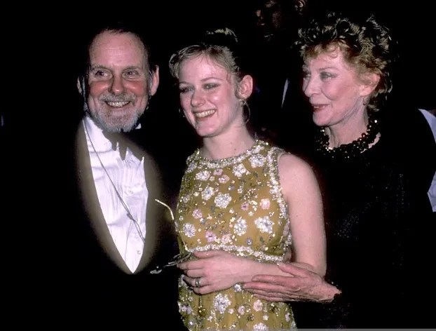 Nicole Fosse with her parents, Bob Fosse and Gwen Verdon in 1985 (two years before her father died)
