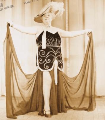 Sophie Tucker in High Kickers, 1941