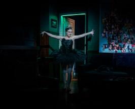 Elise Kibler as Natalie Portman, Keyonna's fantasy actress friend