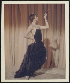 Julie Andrews nypl.digitalcollections.510d47d9-cecb-a3d9-e040-e00a18064a99.001.w