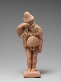 An actor in terra-cotta from early 4th century BCE