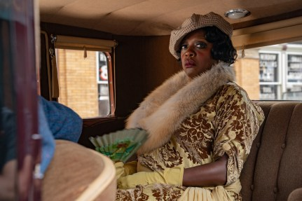 Ma Rainey's Black Bottom (2020): Viola Davis as Ma Rainey. Cr. David Lee / Netflix