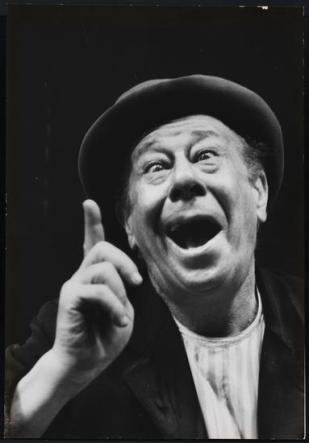 """Bert Lahr as Estragon in """"Waiting for Godot"""" 1956"""