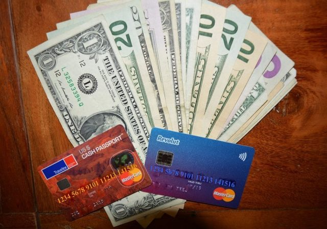 Où se procurer des dollars pour votre séjour ?