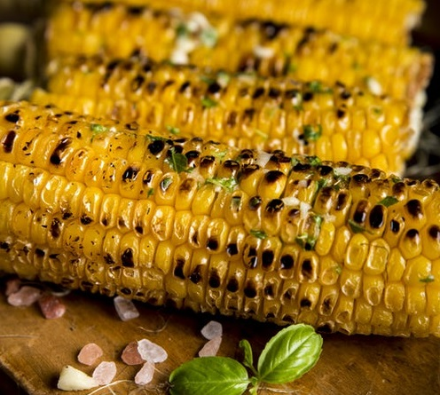 BBQ Corn On The Hob With Parsley Sauce