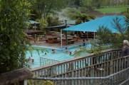 ... und über ein Rohleitungssystem in die verschiedenen Pools geleitet.