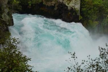... galten die Huka Falls lange als unbefahrbar.