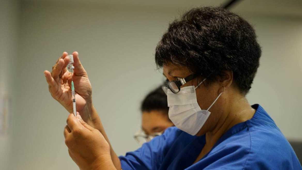 首批6万支辉瑞新冠疫苗抵达奥克兰
