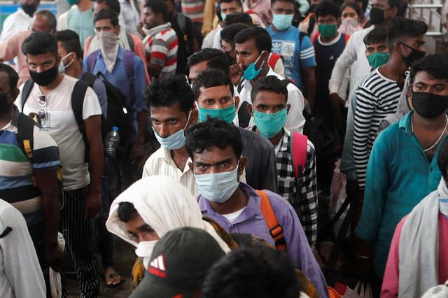 """印度二波疫情单日新增超30万例,""""疫苗外交""""较劲中国却害惨自己(视频)"""