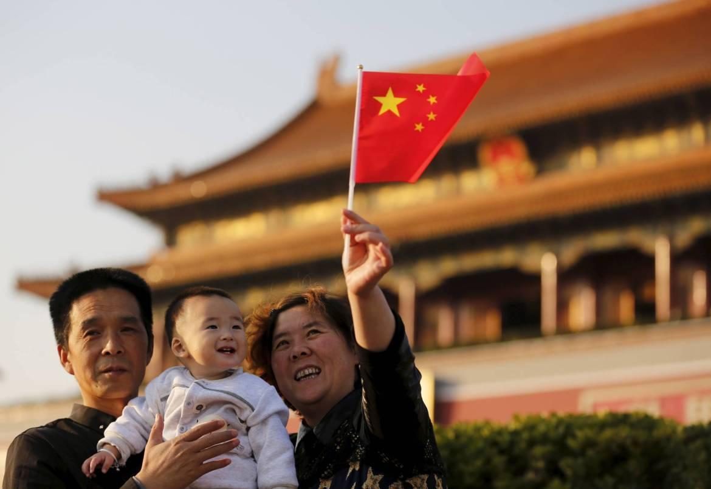 面临人口负增长危机,中国可能在今年终结计划生育 (视频)