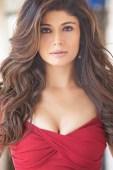 Pooja Batra Makes her entry in Punjabi Films with Action Thriller 'Killer Punjabi'