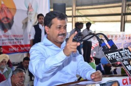 Arvind Kejriwal gives two months time to Modi to unearth Badal's black money